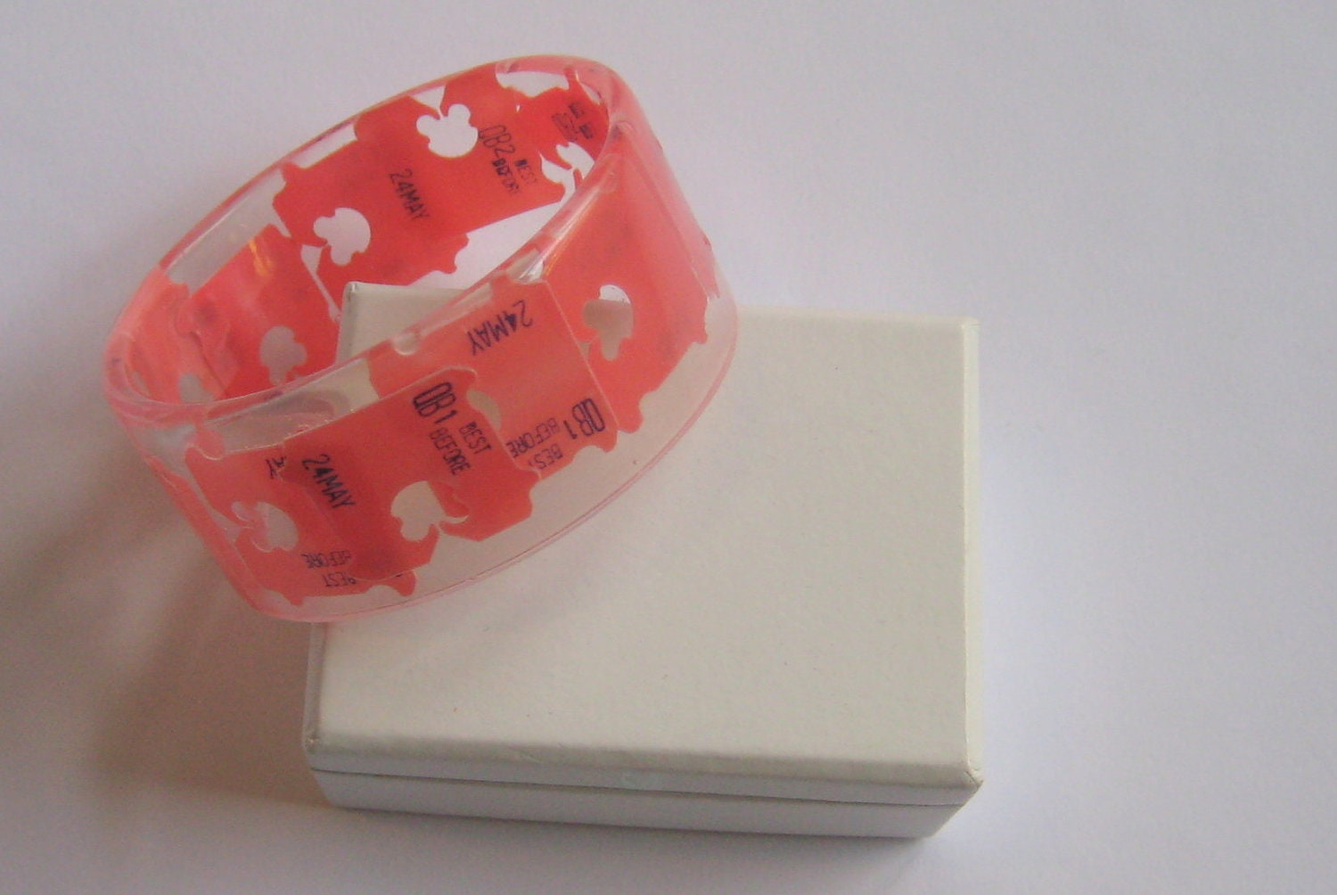 resin bangle. medium. bread tags. upcycled. modern. eco.