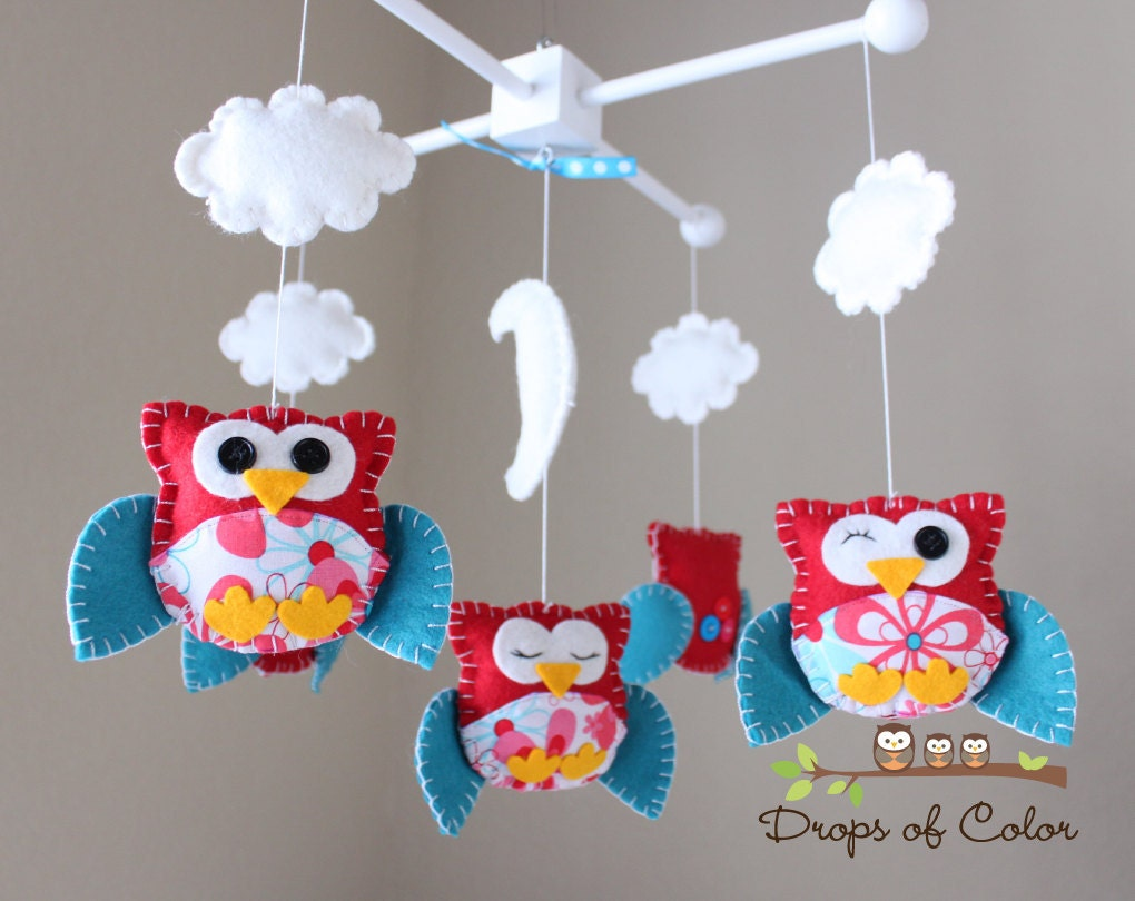 baby crib mobile baby mobile nursery owl by dropsofcolorshop. Black Bedroom Furniture Sets. Home Design Ideas