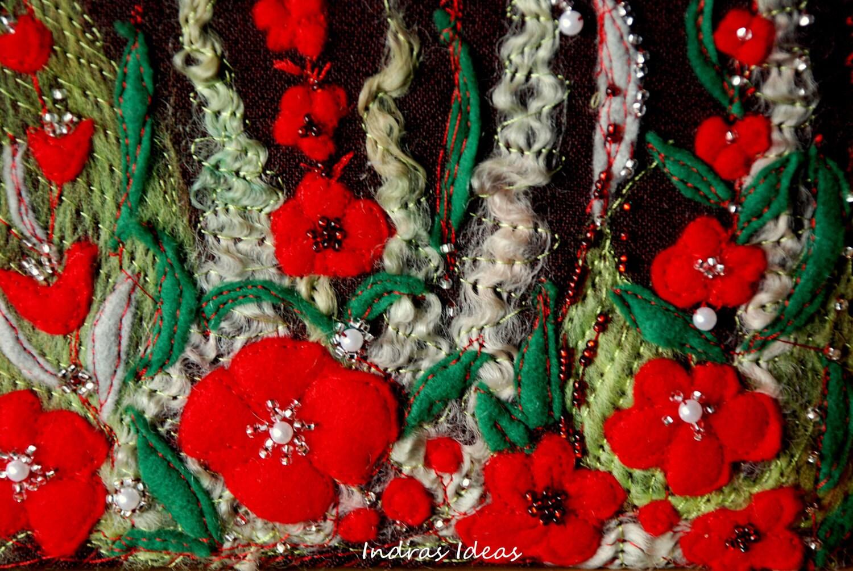 Чай коробка с красной вышивкой луговой цветок