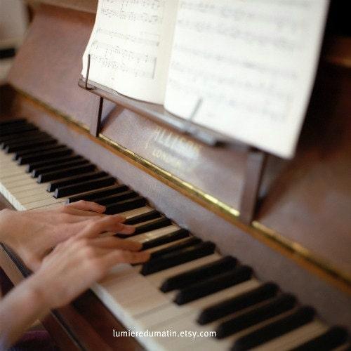 Piano Hasselblad photograph - The piano from London - fine art film print 8 x 8 - LumiereDuMatin
