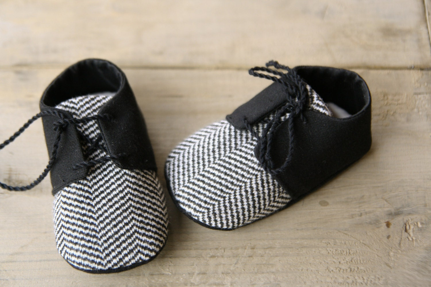 black and white baby boy chevron shoes by martbabyaccessories