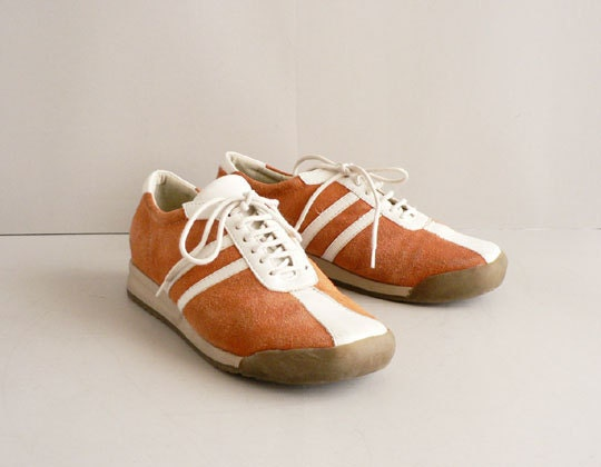 Coral and White Leather Tennis Shoes, Women's Size 8 / 39 Retro