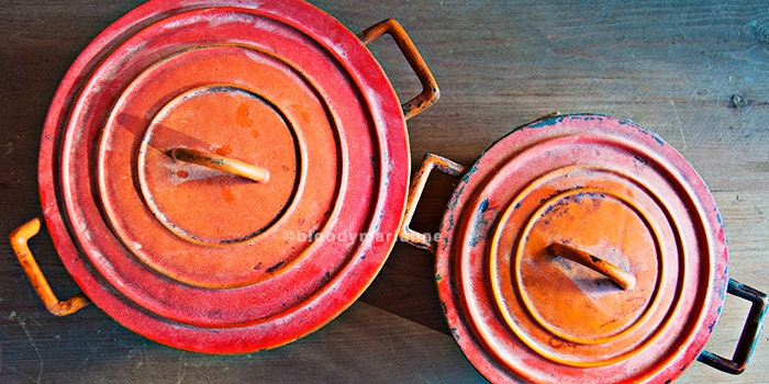 Fine Print - Old red/orange Vintage Pans 30x15cm - bloodymarianne