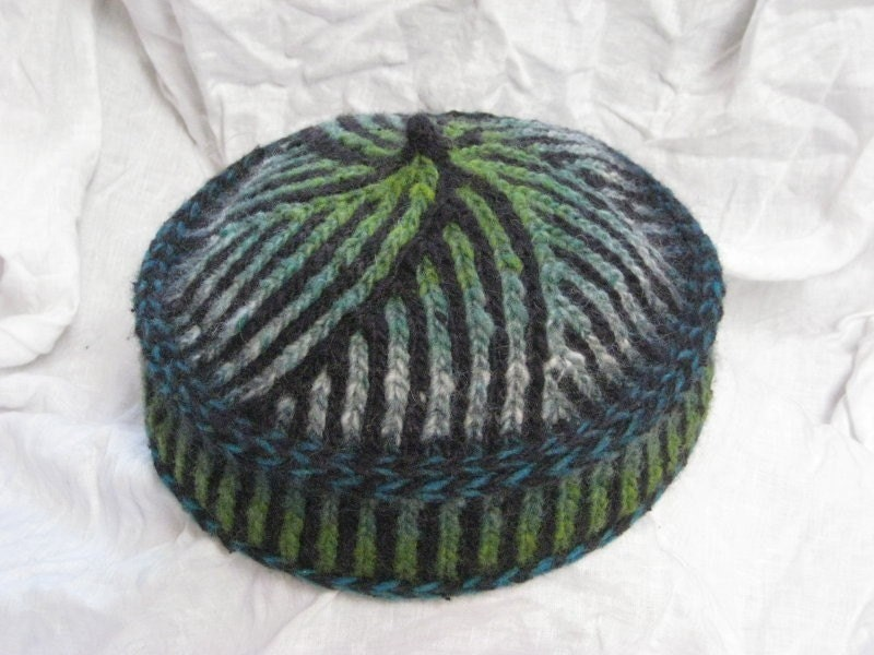 Knitting Pattern For Pillbox Hat : Binah Bukharan Kippah Kufi or Pillbox Hat Pattern by tikkunknits