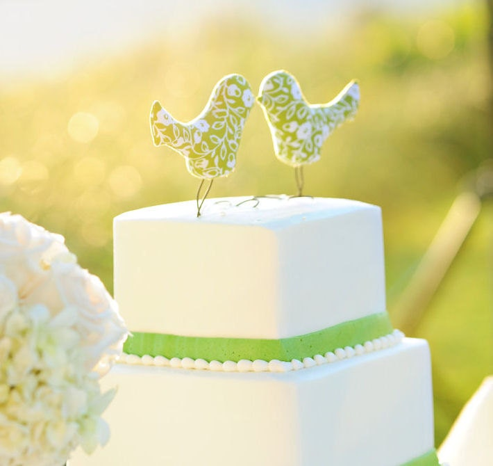 Love Bird Wedding Cake Topper, Summer Green, White Flower, Outdoor Wedding, Wedding Gift