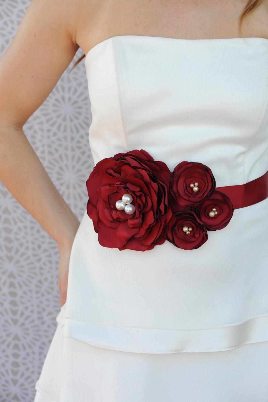 Декоративный пояс для платья