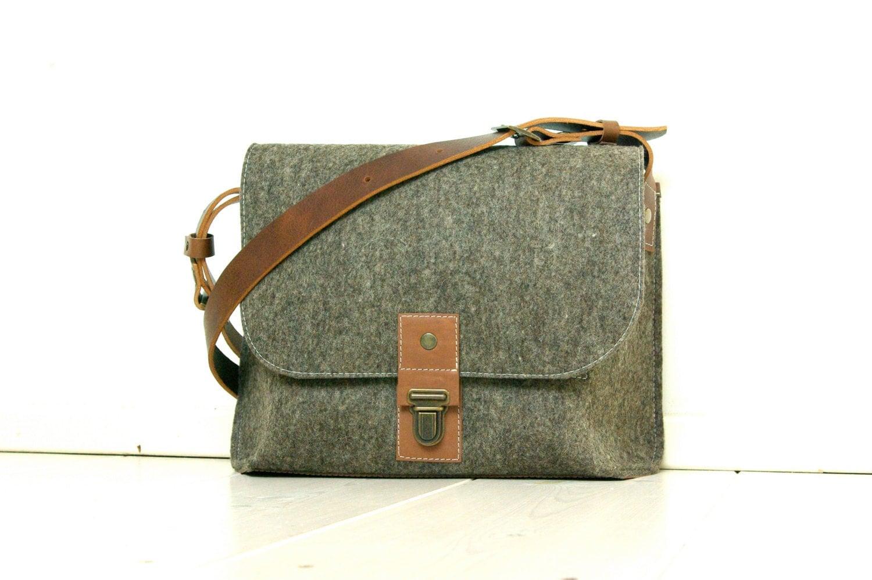 Small Messenger Bag - Felt & Leather