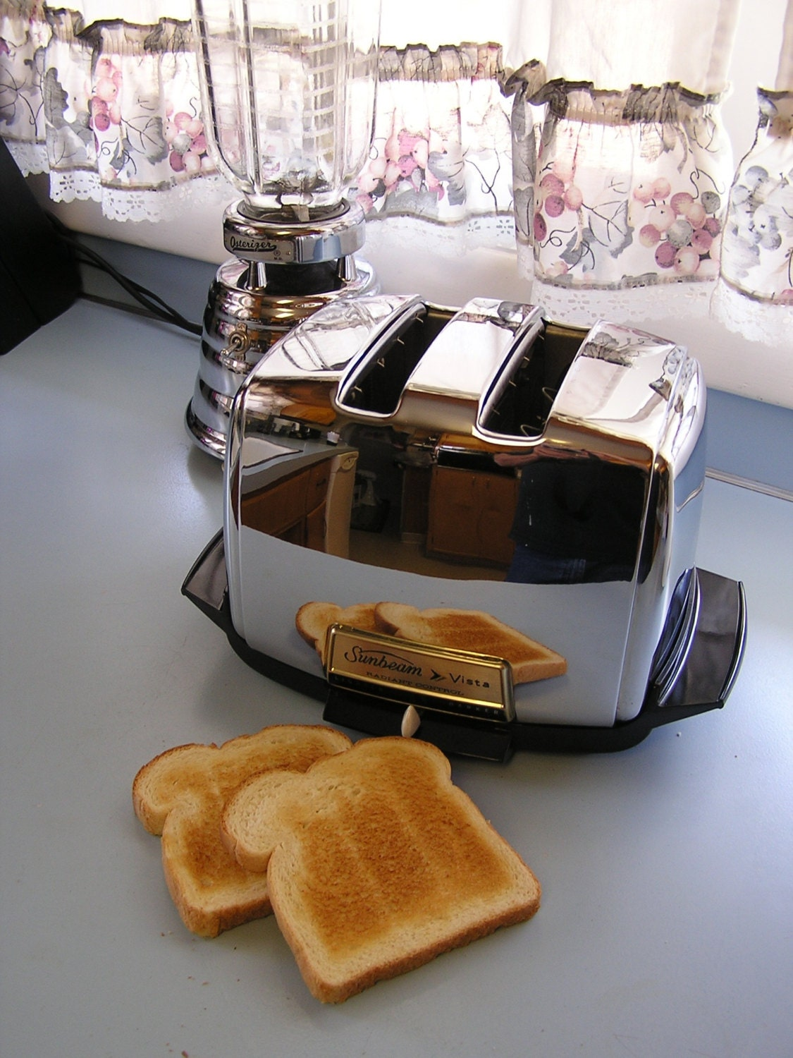 1960s Toaster With Bread ~ S sunbeam vista radiant control toaster by