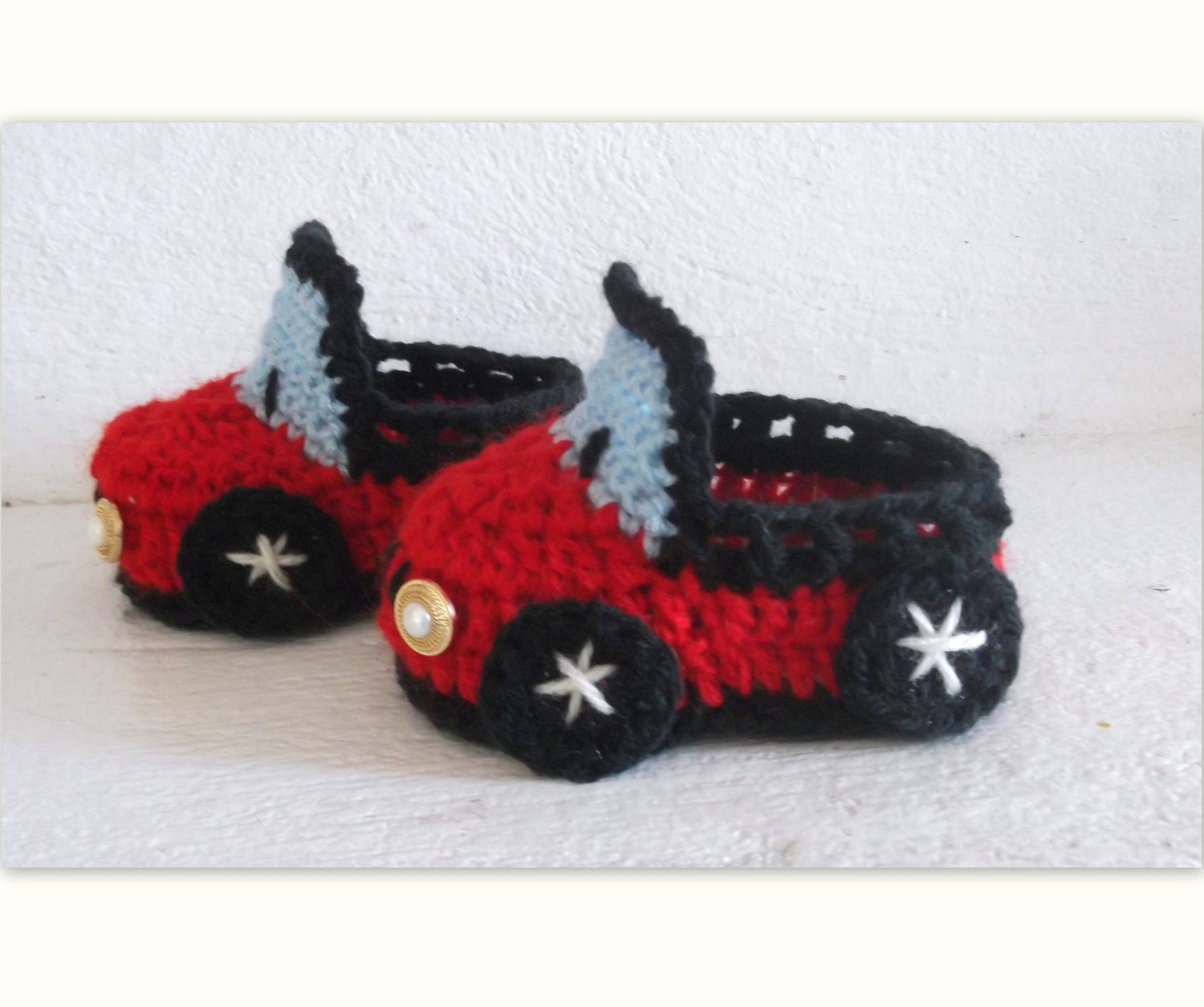 Baby Boy CROCHET PATTERN Booties Car, 4 sizes newborn to 12 month, (Pdf file)