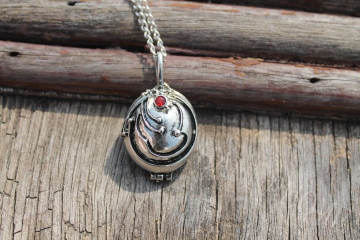 silver Vervain Necklace/Vampire Diaries inspired locket necklace/vampire jewelry/verbena necklace/openable/ tone - hannahome