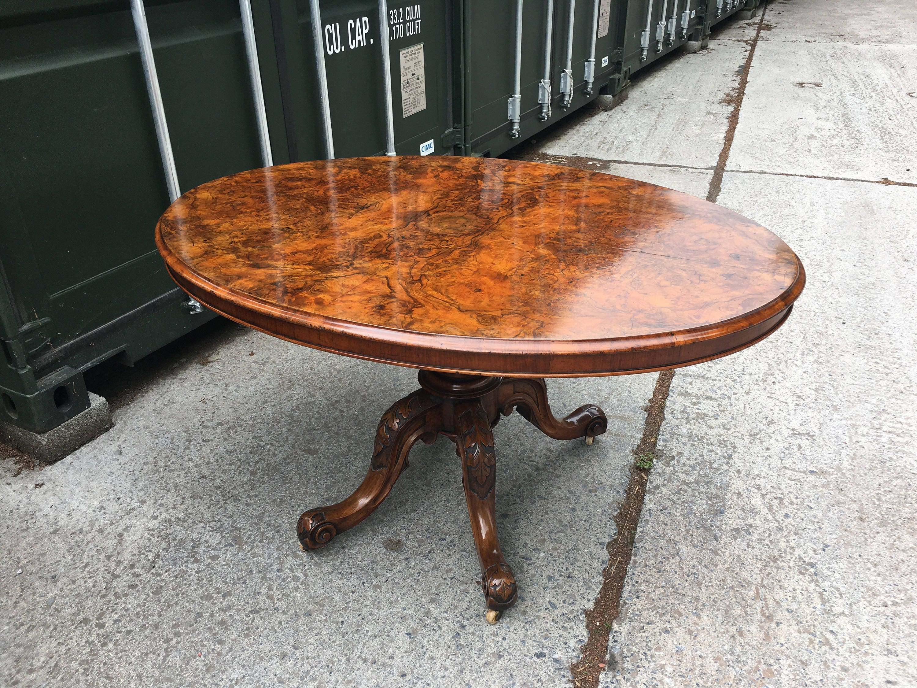 Beautiful Victorian C1850 Burr Walnut Oval Loo Breakfast Table FREE DELIVERY