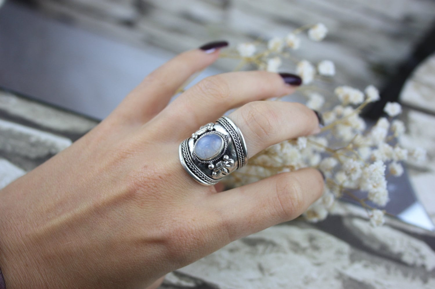 MILKY MOONSTONE RING Silver Ring Moonstone Ring Healing Crystal Jewellery Chakra Ring Statement Ring Boho Vintage
