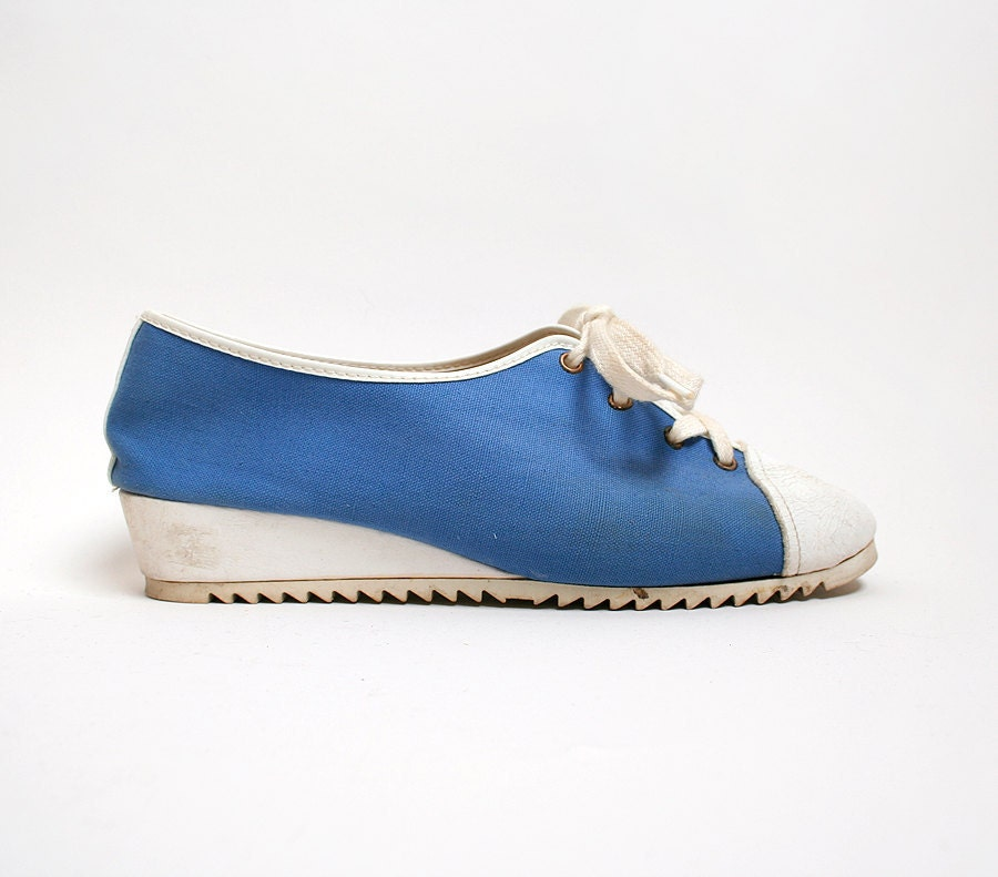 vintage wedge tennis shoes in sky blue and white lace up
