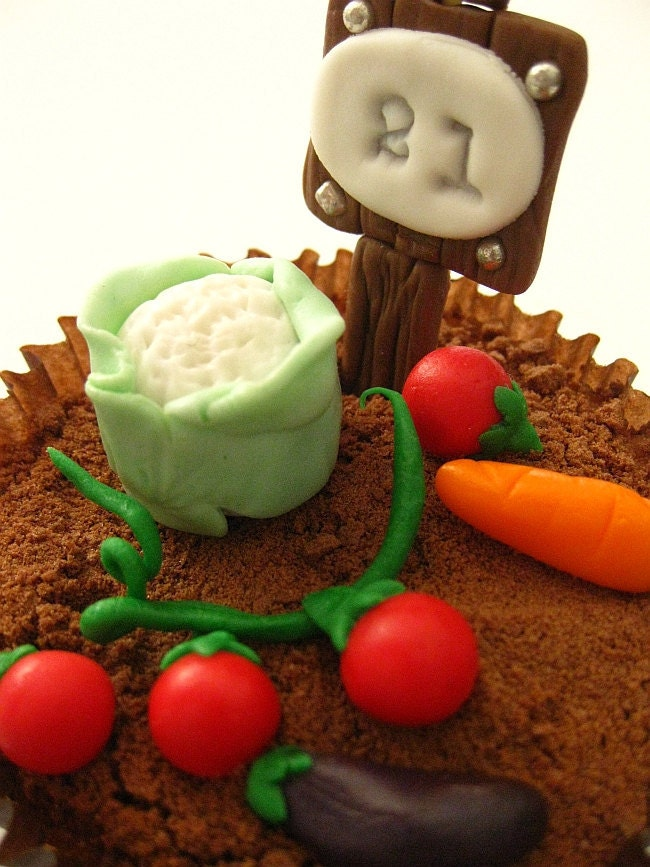 Edible Cake Decorations Vegetables : Items similar to Edible Fondant Cupcake Toppers ...