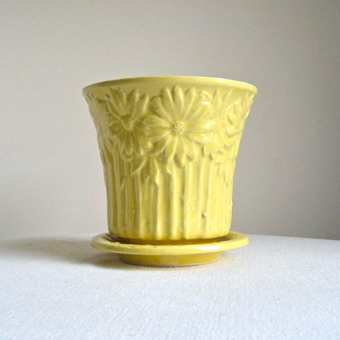 Vintage Mccoy Pottery Flower Pot Yellow By Barkingsandsvintage