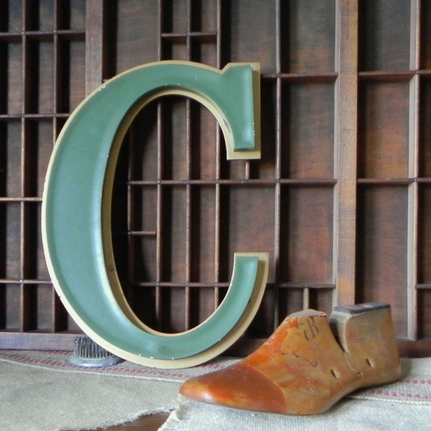 Large vintage letter C green and gold - jollytimeone