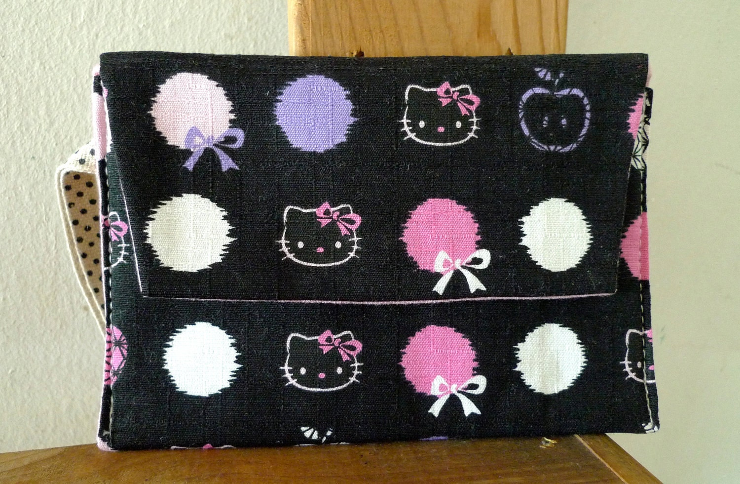 Mini Wristlet Wallet with compartment/ magnatic closure/ Hello Kitty