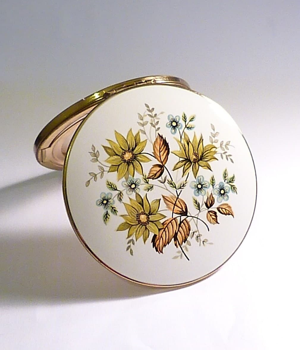 Vintage Stratton compacts enamel floral powdr compacts vintage bridesmaids gifts retro gifts for her