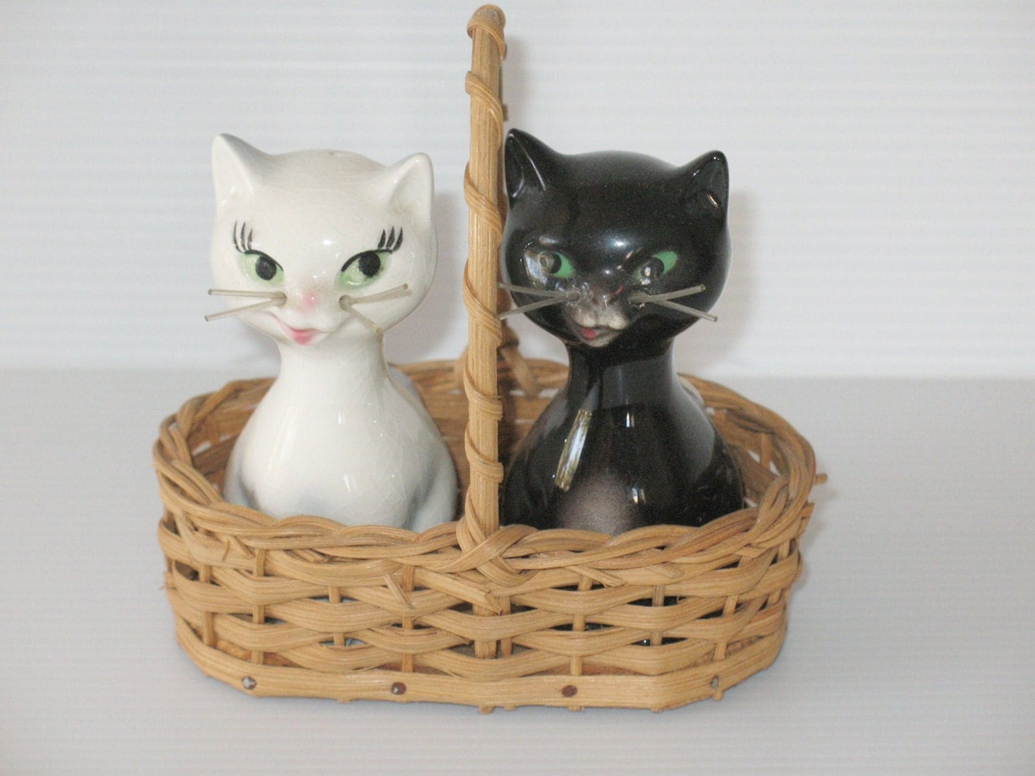 goebel, hummel collector,  black and white salt and pepper shakers cats, w. goebel, w. germany, original basket - LIGONaccessories