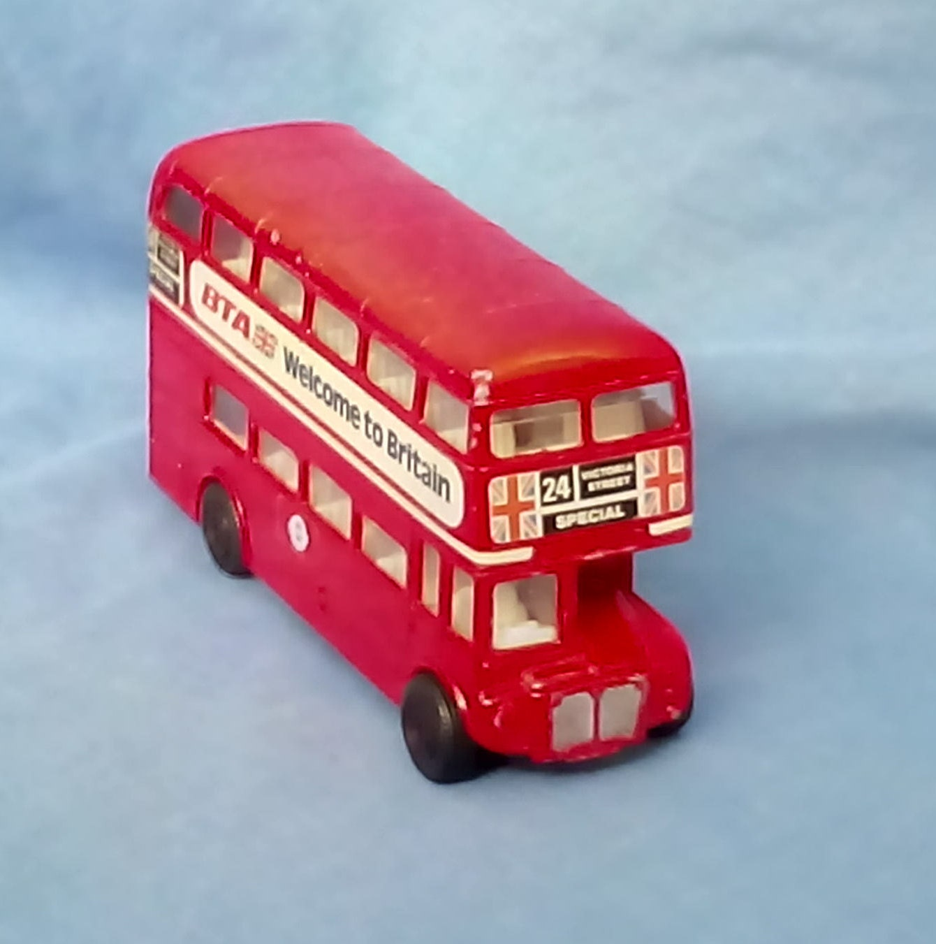 Vintage Corgi London Red Bus DieCast Model Routemaster No 24 Victoria Street Special Welcome to Britain