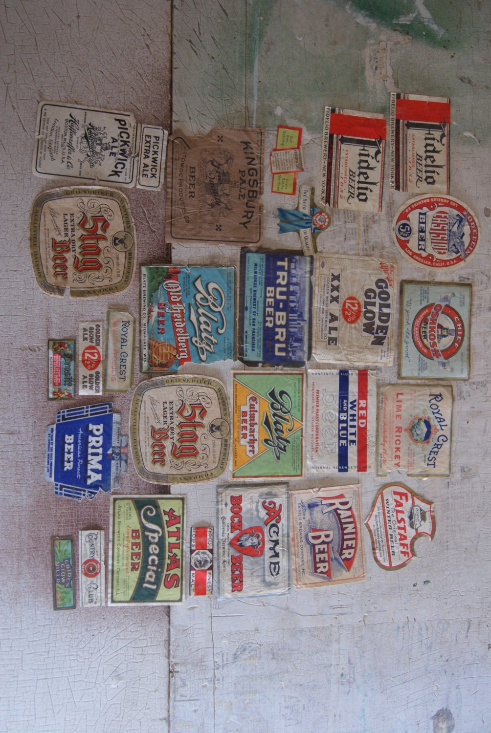Vintage Lot Of 27 Paper Beer Labels Assorted Brands And Breweries Ephemera Advertising Made In The 1930s To The 1950s