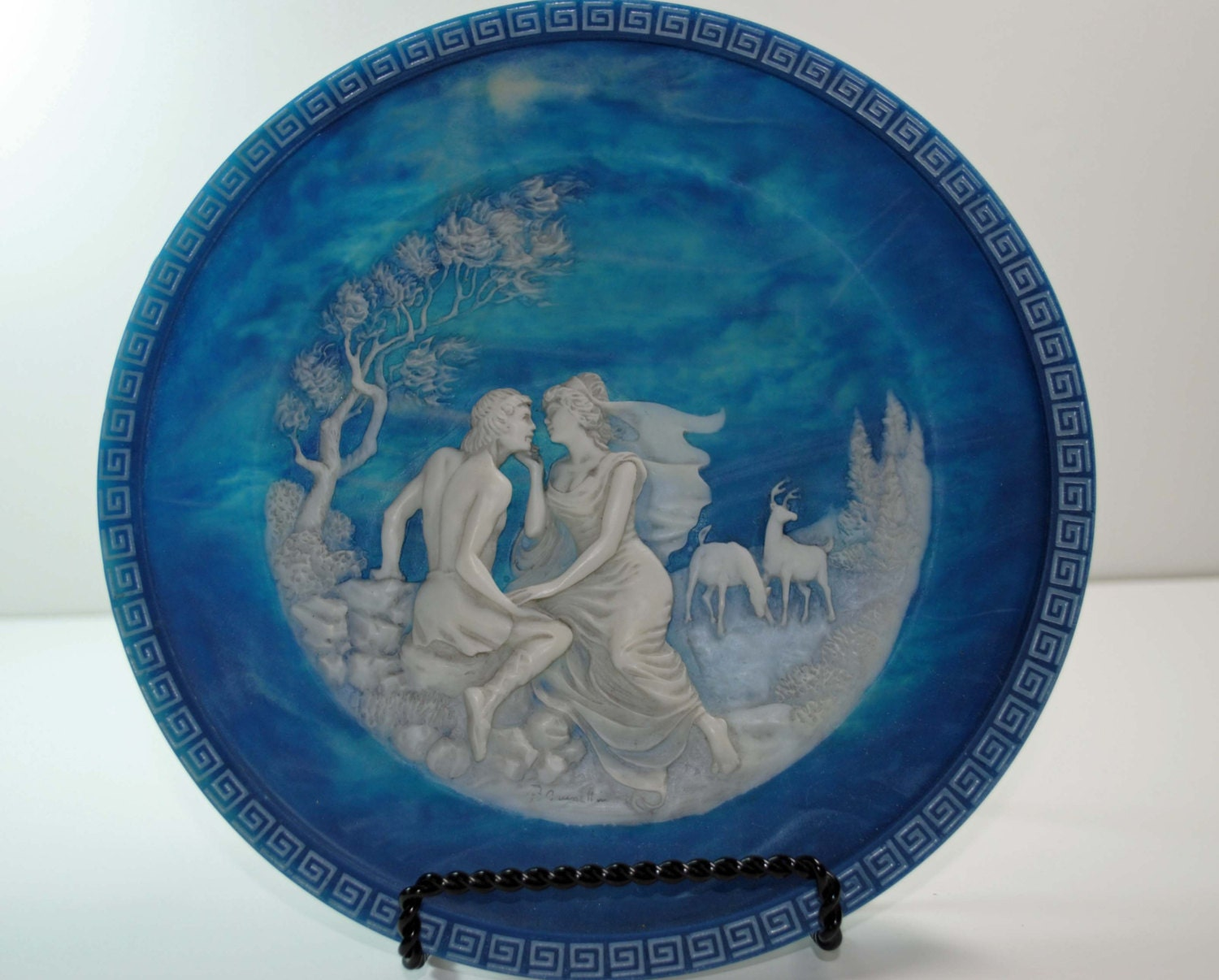Cameo Collector Plate- The Isle of Circe -Incolay Studios - BridgetsCollection