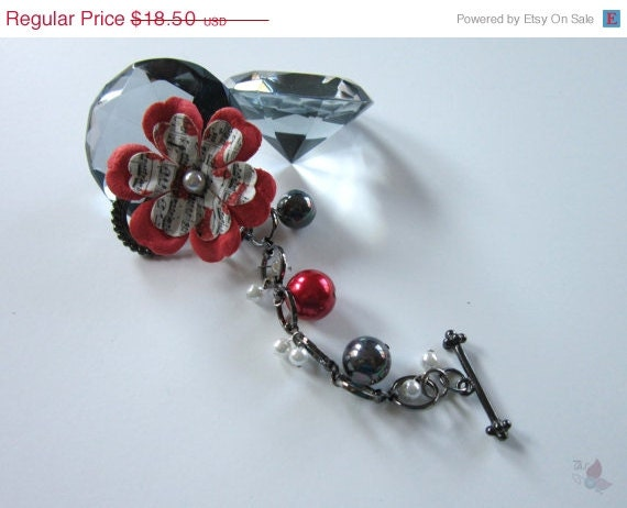 On Sale Flower and Pearls