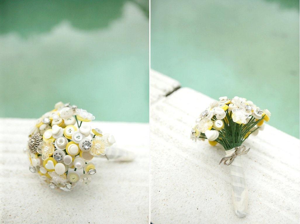A Marilyn Monroe botão Bouquet - marfim, amarelo e diamantes