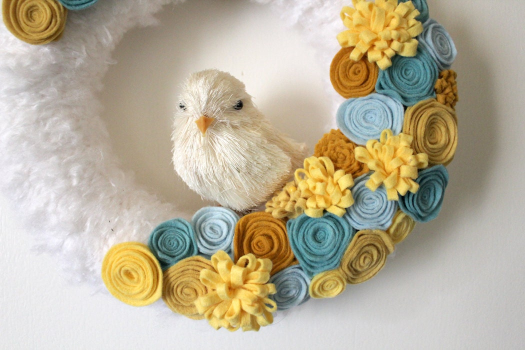Yellow Chick Wreath, Aqua Blue and Yellow Yarn and Felt, 10 inch size