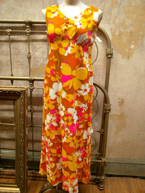 Vintage Yellow Orange and Pink Haw aiian Hibiscus Floral Cotton