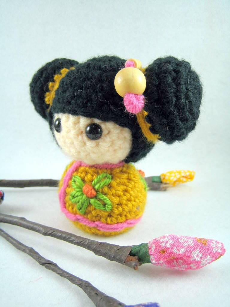 Kokeshi En Amigurumi : Bebe an amigurumi kokeshi doll by AmigurumiFriends on Etsy