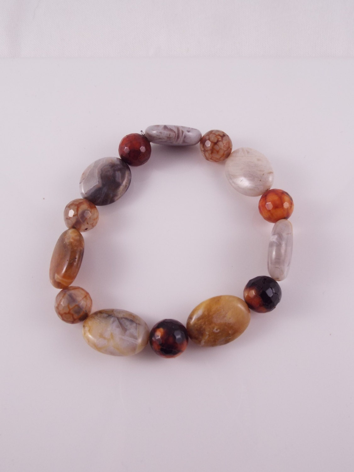 Gael (Multifaceted Agate Rounds w Flat Agate Oval Stretch Bracelet)
