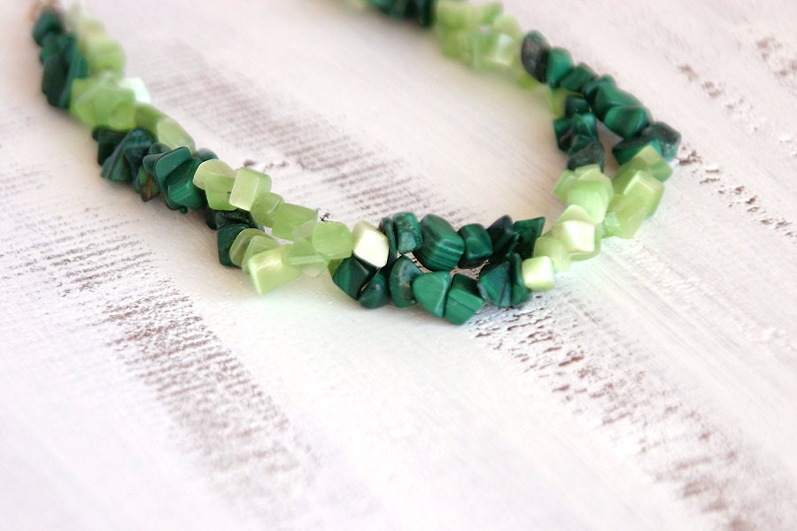 Green bead necklace - peridot malachite gemstone chips necklace - long strand necklace - FishesMakeWishes