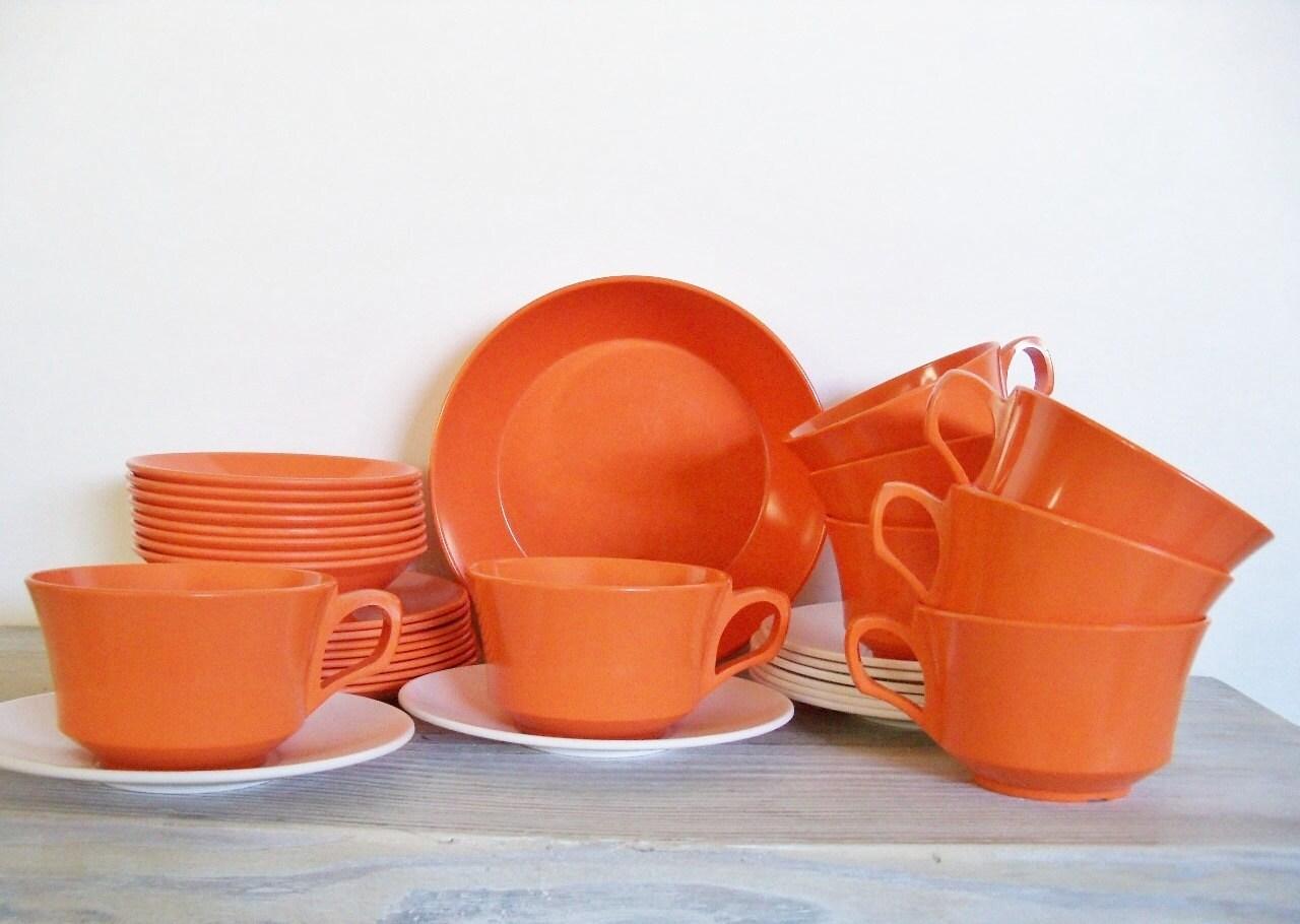 Melamine melmac tangerine orange dishes by vickiesbeachhouse for Cuisine melamine