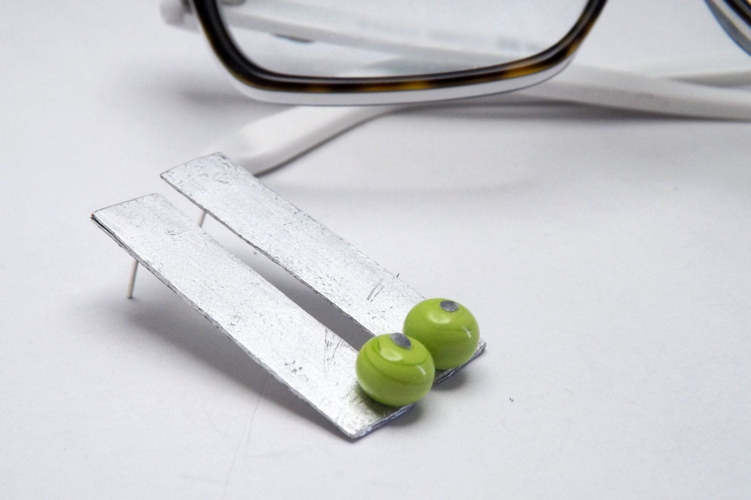 rectangle geometric stud earrings with lime handblown glass beads - amabito