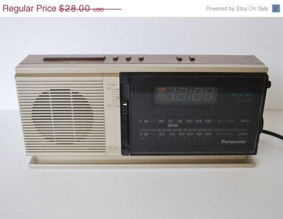 vintage digital alarm clock radio vintage digital by. Black Bedroom Furniture Sets. Home Design Ideas