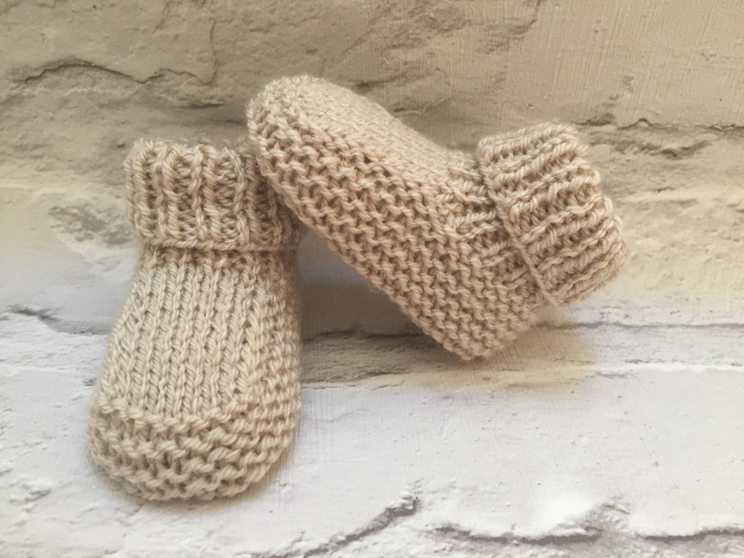 Hand knitted bootees Neutral Booties Modern baby booties Beige booties hand knitted booties 03 months baby shower gift baby gift