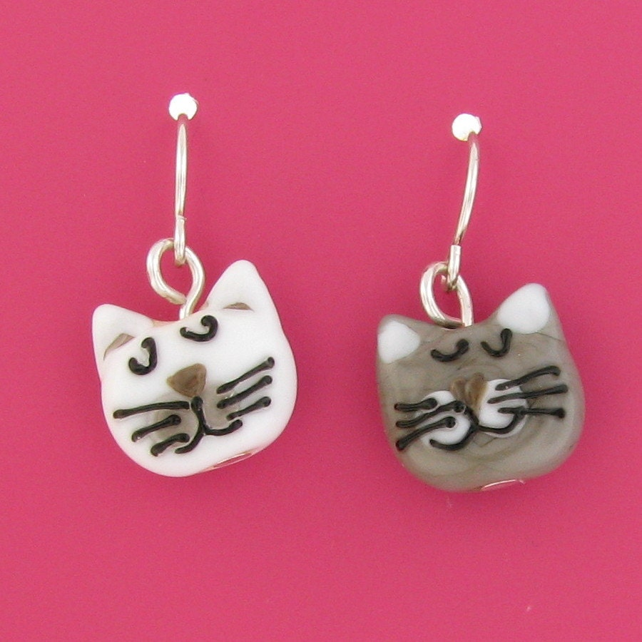 grey and white cat dangle earrings - lampwork cat beads