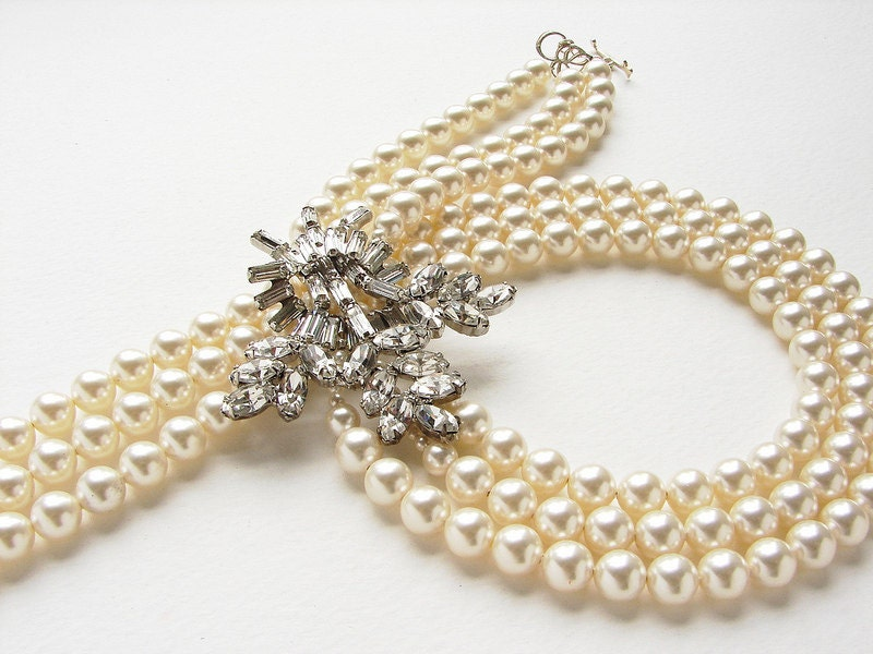 Vintage rhinestone brooch statement necklace, Vintage Brooch triple strand pearl bridal OOAK pearl rhinestone statement wedding jewelry