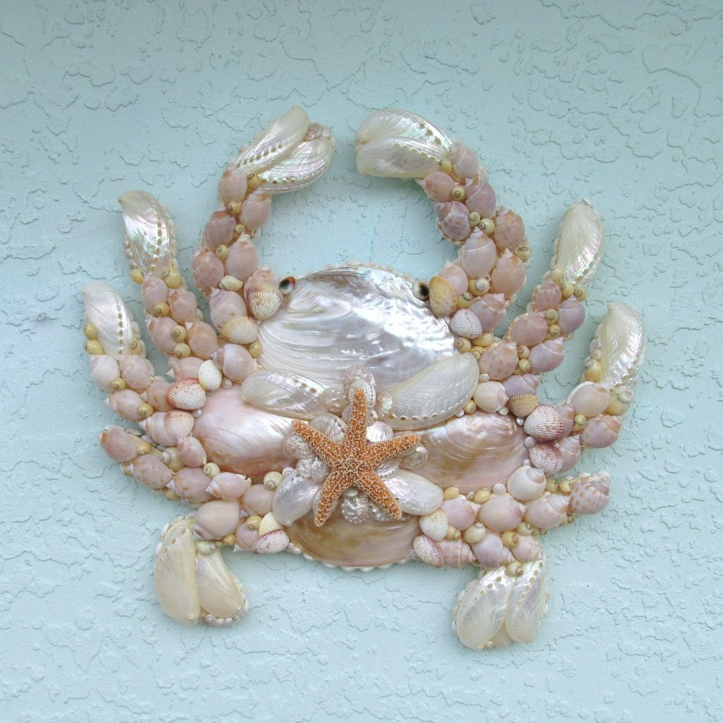 Crab wall art wall hanging seashells by sandisshellscapes for Big seashell crafts