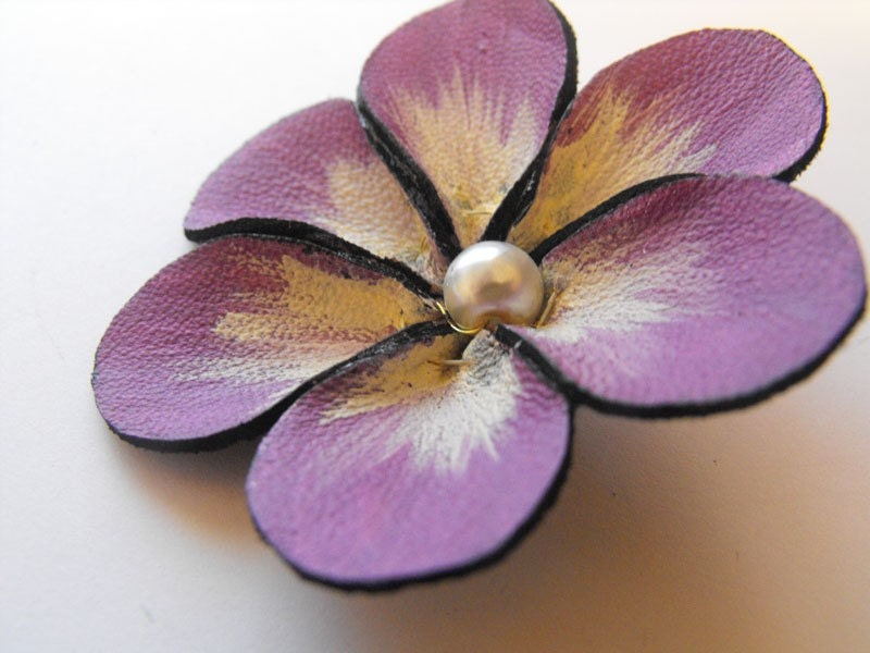 Craft supplies leather flower 1pc by hmcreativesupplies for Leather flowers for crafts