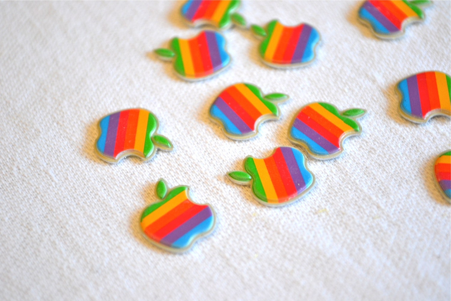 Vintage Apple Computer Miniature Plastic Emblem Logos - Rainbow Apple Lot of 10 - pumpkintruck