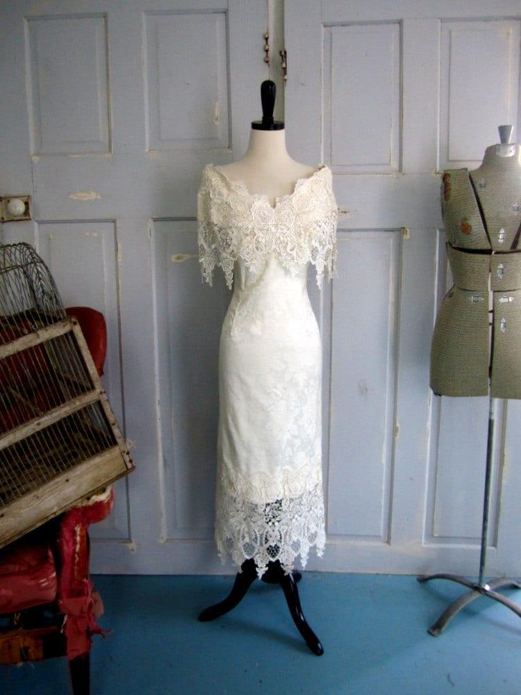 Vintage Wedding Dress Off the Shoulder Fitted Lace Wedding Dress