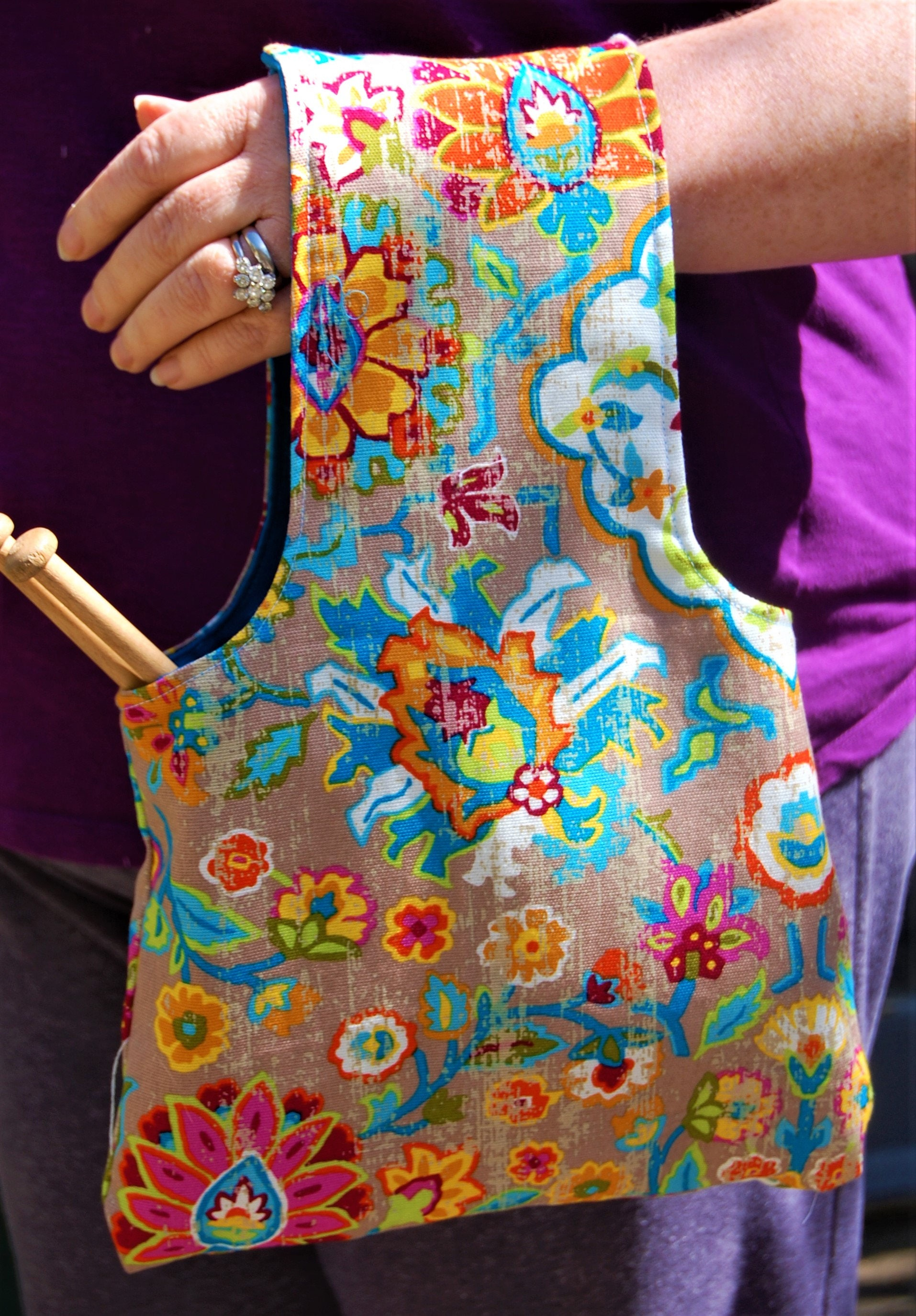 Knitting and crochet travel bag in vintage floral