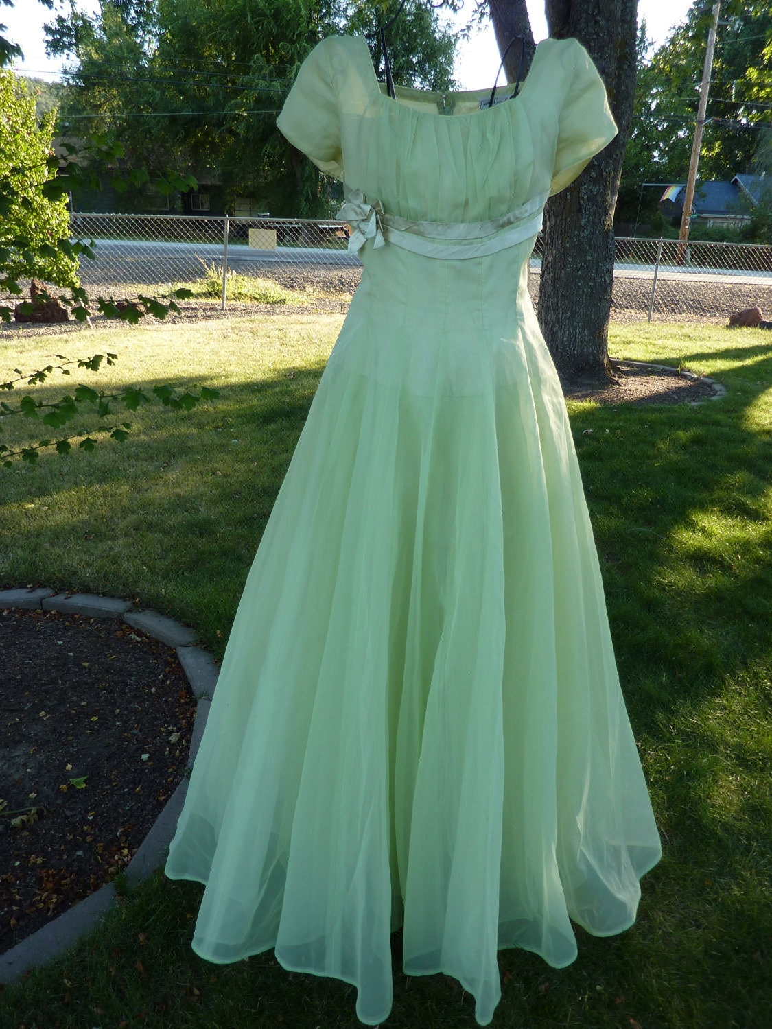 Pale Green Prom Dresses 38
