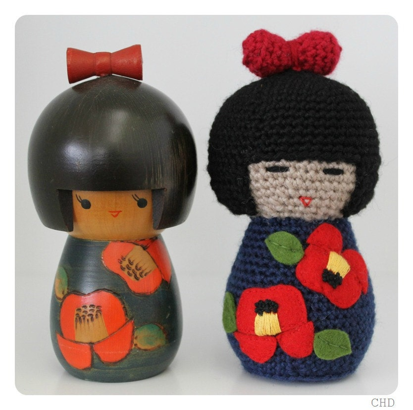 Items similar to Amigurumi Japanese Kokeshi Doll With Bow ...