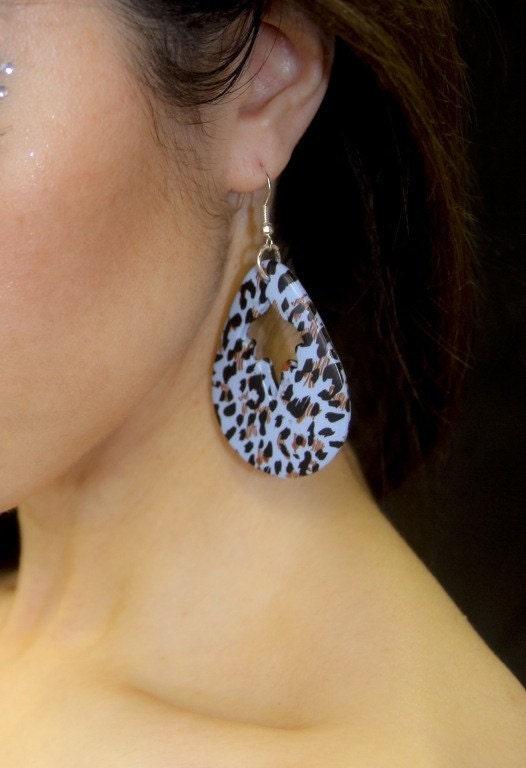 Leopard Print Dangle Earrings in Blue