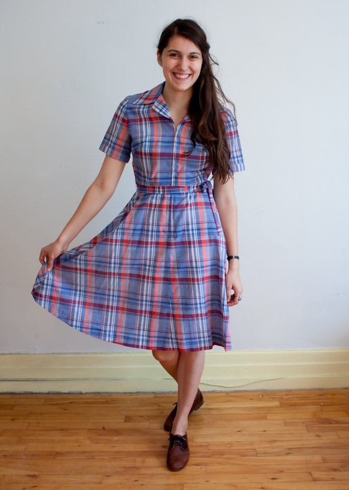 vintage shirtwaist dress / plaid / 1970s / M
