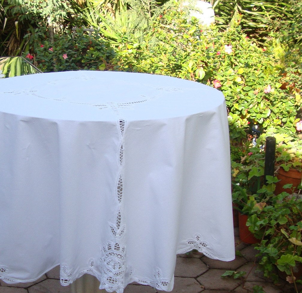 Round tablecloth white cotton and lace by ramblinranch on etsy for White cotton table cloth