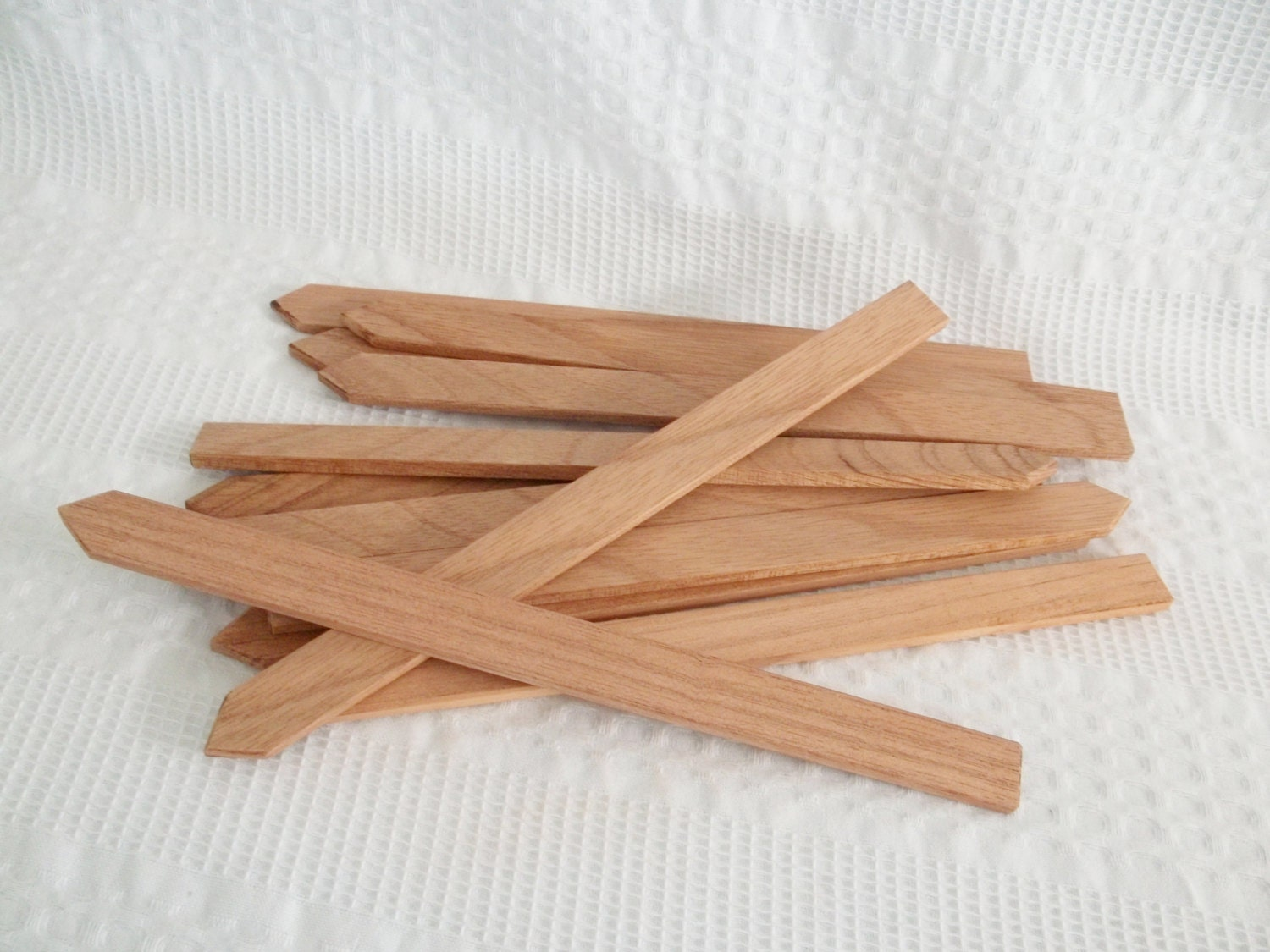 Plant markers cedar reclaimed wood set of 12 by graceyournest for Markers for wood crafts
